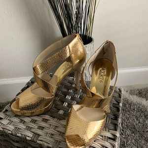 **WOMENS SHOES** BRAND: MICHAEL KORS SIZE: 9M